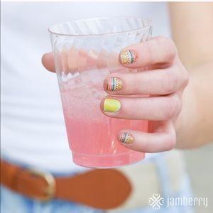 3/$10✨'Guacamole' a Jamberry Nail Wrap Manicure